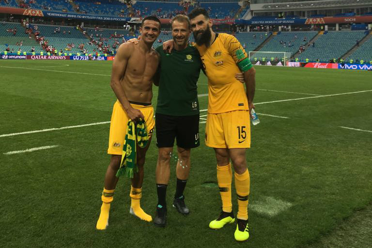 Les Gelis with Tim Cahill and Mile Jedinak.