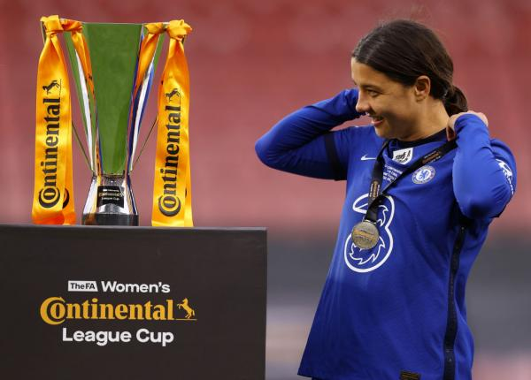Sam Kerr hat-trick guides Chelsea to Conti Cup trophy